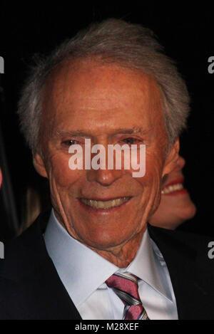 """Burbank, California, USA. El 5 de febrero de 2018. Clint Eastwood 02/05/2018 El estreno mundial de """"15:17"""", celebrado en París el SJR Teatro en estudios Warner Bros. en Burbank, CA Foto por Izumi Hasegawa / HollywoodNewsWire.co"""
