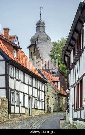 Casas de entramados en Kleine Osthofe, Torre de Santa Maria zur Hohe, en Soest, Región Ostwestfalen, Renania del Norte-Westfalia, Alemania