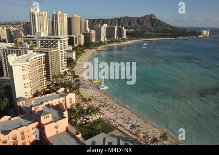 La playa Waikiki en Honolulu en Oahu, Hawaii