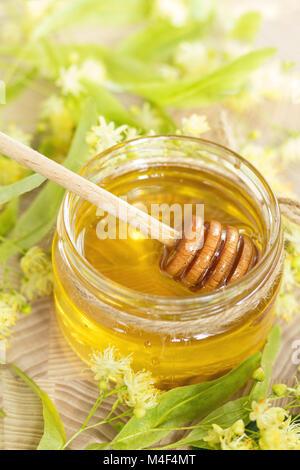 La Miel en tarros de vidrio con Linden Flowers blanco
