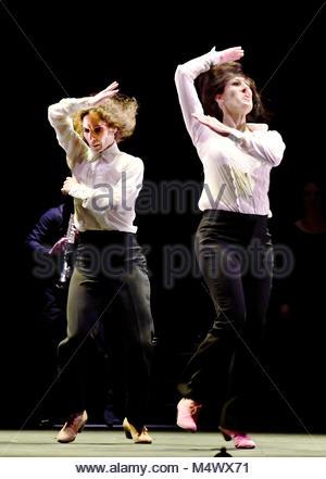 Londres, Reino Unido. 18 Feb, 2018. Flamenco Festival London en Sadlers Wells London UK Leonor Leal Ursala y Tamara Foto de stock