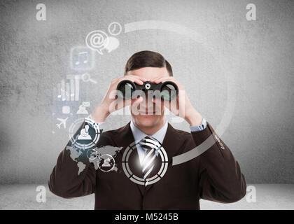 Concepto de tecnología. Empresario con biboculars e interfaz virtual con la web y los medios de comunicación social de iconos