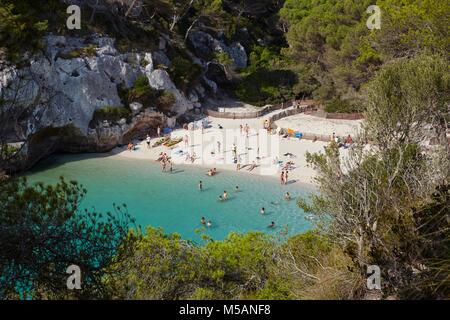 Vista de Cala Macarelleta elevados en Menorca, Islas Baleares, España