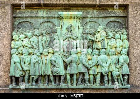 Copenhague, Dinamarca / Región Zelanda - 2017/07/26: alivio de la Reformación Memorial en Bispetrov square en el centro de la ciudad.