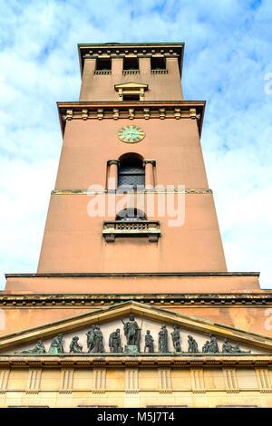 Copenhague, Dinamarca / Región Zelanda - 2017/07/26: torre de la Iglesia Catedral de Nuestra Señora