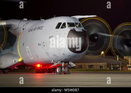 Airbus Atlas C.1, ZM400, 70 Escuadrón, RAF, visto y basado en Brize Norton, Oxfordshire, para una sesión de fotos nocturnas, 29 de octubre de 2016.
