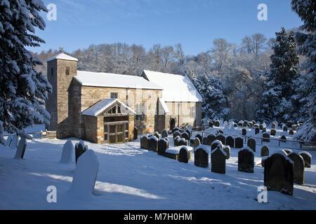 Priorato Kirkdale [St Gregory's Minster] en invierno North York North Yorkshire Moors Foto de stock