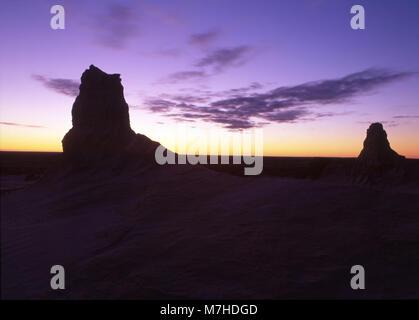 El Mungo National Park es un parque nacional protegido que está situado en el sur-oeste de Nueva Gales del Sur, en el este de Australia.