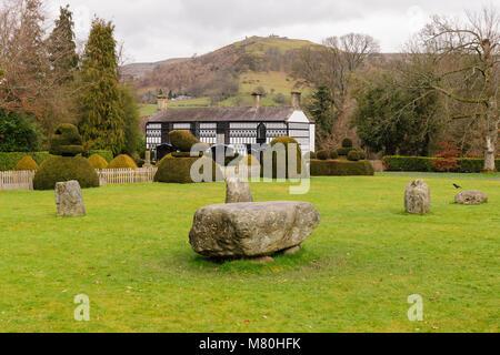 Plas Newydd construida en el siglo XVIII, hogar de las famosas damas de Llangollen que vivió allí desde 1780 hasta 1831.