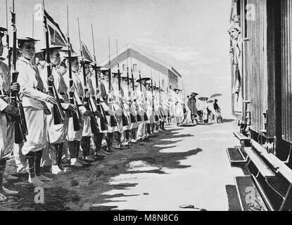 Inauguración del ferrocarril construido por los franceses entre Hanoi y en China en 1900, la imagen del semanario Foto de stock