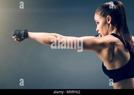 Colocar centrado morena con confianza boxeo