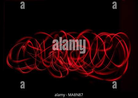 Resumen de luz de color rojo de la pintura. Las luces LED sobre fondo negro