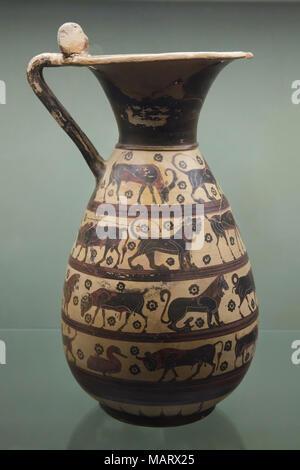 Negro-corintio figura ople (vino Jarra) desde 640-625 A.C. en exhibición en el Museo Archeologico Nazionale (Museo Arqueológico Nacional de Florencia, Toscana, Italia.