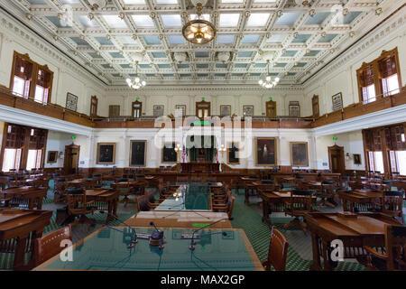 Cámara del Senado de Texas, en el interior del edificio del Capitolio del Estado de Texas, Austin, Texas, EE.UU.