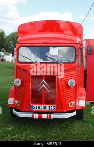 Vintage car, Citroën rojo van, Alemania