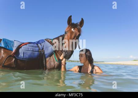 Indonesia, Bali, Mujer a caballo