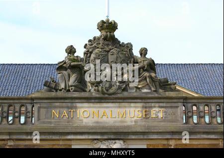 Copenhague, Dinamarca - 3 de mayo de 2018: El Museo Nacional de Dinamarca en Copenhague, Dinamarca es más importante y más grande museo histórico y cultural com