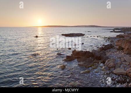 Italia, Cerdeña, costa oeste, Oristano, península de Sinis, Putzu Idu, noche, humor,