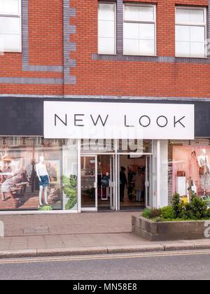 Nuevo look tienda en el centro de la ciudad de Crewe Cheshire UK Foto de stock