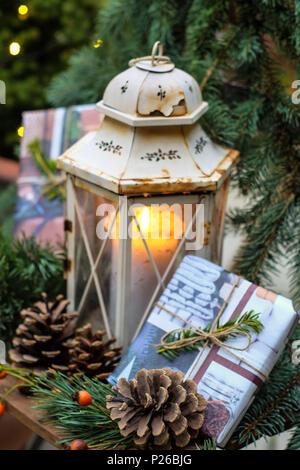 Bodegón Con La Vieja Decoración De Navidad Y Estrellas Foto