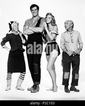 El título de la película original: Li'l Abner. Título en inglés: Li'l Abner. El director de cine: MELVIN Frank. Año: 1959. Estrellas: Leslie Parrish; Peter Palmer; Joe E. MARCAS; BILLIE HAYES. Crédito: Paramount Pictures / Álbum