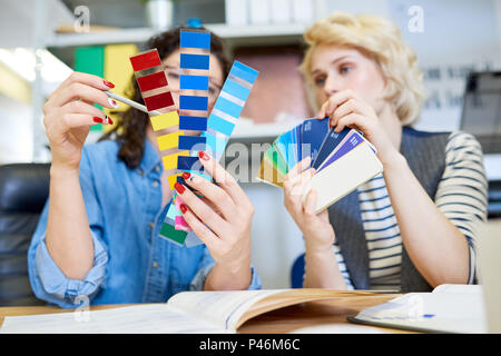 A partir de muestras de color elegir compañeros