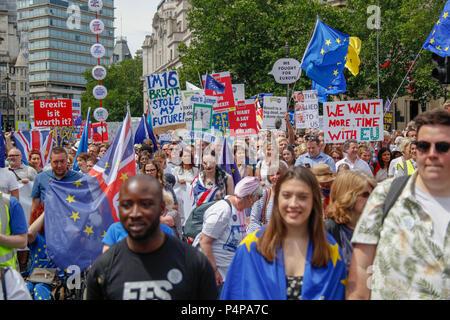 Londres, Reino Unido. El 23 de junio de 2018. Anti-Brexit manifestantes en el voto popular de marzo de crédito: Alex Cavendish/Alamy Live News