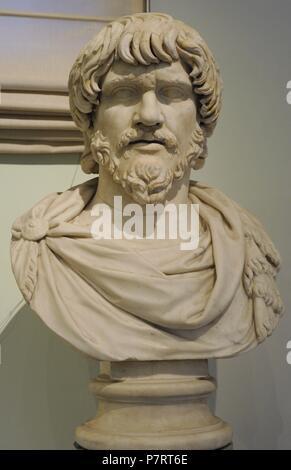 Bárbaro. Busto. 2 º siglo DC. Mármol. Museo Arqueológico Nacional, Nápoles. Italia. Foto de stock