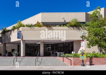 LOS ANGELES, CA/USA - Octubre 4, 2014: John Wooden Center en el campus de la UCLA.