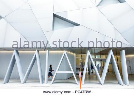 Florida, Miami, Distrito de Diseño, Instituto de Arte Contemporáneo, galería, entrada frontal, Semana de Arte de Basilea, exterior, fachada metálica, Aranguren Gallegos