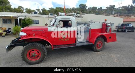 Un viejo camión de bomberos en el museo de bomberos, Israel