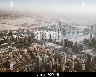 Hermosa vista desde la cima del Rascacielos Burj Dubai vista desde la cima, Panorama Dubai Foto de stock