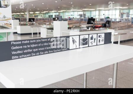 Comprobación de seguridad Seguridad Deje el aeropuerto Zaventem de Bruselas