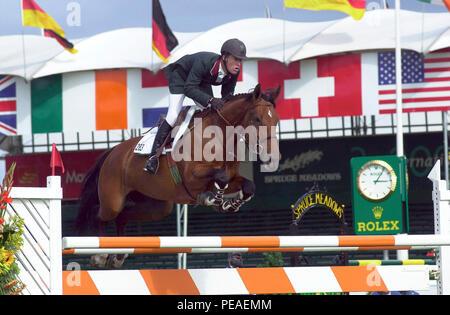 CSIO Masters, Spruce Meadows, en septiembre de 2000, Raymond Texel (USA) caballo Pershing Foto de stock