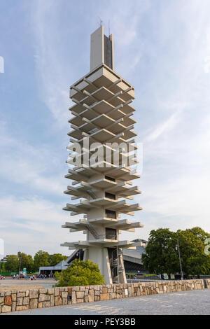 Torre de Control (Yoshinobu Ashihara) de Komazawa Olympic Park Stadium, construido para los Juegos Olímpicos de Verano de 1964 en Tokio, Japón