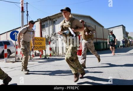 KABUL, Afganistán (Mayo 27, 2018) - Más de 220 Apoyo decidido los miembros realizaron una marcha de 25 kilómetros, conocido como el contingente danés (DANCON) Marzo en apoyo de los veteranos daneses. La marcha ha sido una tradición en la defensa de Dinamarca desde 1972, cuando el Ejército Real Danés fue desplegada en Chipre.