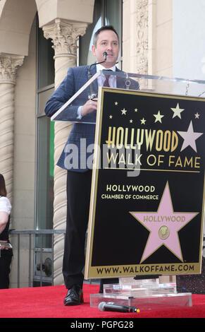 """Hollywood, ESTADOS UNIDOS. 27 Aug, 2018. Thomas Lennon, asiste a """"Weird Al"""" Yankovic honrado con una estrella en el Paseo de la Fama de Hollywood en Hollywood Hollywood Blvdin el 27 de agosto de 2018 en Los Angeles, California Credit: Faye Sadou/Media Punch/Alamy Live News Foto de stock"""