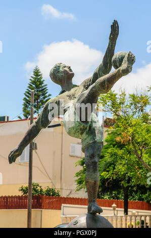 Estatua de Natan Panz (28 de septiembre de 1917 - 28 de abril de 1948) un jugador de fútbol judío de la Palestina Mandatoria, quien jugó para Macabi Tel Aviv y Beit