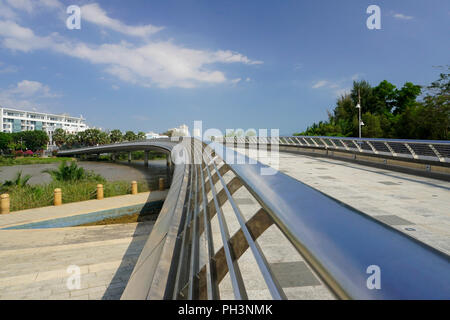 Cầu Ánh Sao (el Rainbow Bridge o Puente Starlight), Ciudad Ho Chi Minh (Saigón) Vietnam