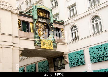 Reloj mecánico Art Nouveau, Ankerhur, el reloj Anker en Viena, Austria, construido en 1914.
