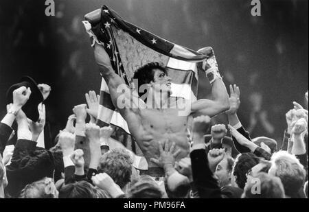 Studio publicidad todavía de 'Rocky IV' Sylvester Stallone © 1985 MGM/UA Todos Los Derechos Reservados Archivo de referencia # 31703104THA sólo para uso editorial