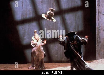 """Studio publicidad todavía de """"Las aventuras del barón Munchausen' © 1988 Columbia Photo credit: Franco Bellomo Todos Los Derechos Reservados Archivo de referencia # 31694073THA sólo para uso editorial"""