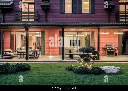 Nueva Terraza Toldo Foto Imagen De Stock 235360447 Alamy
