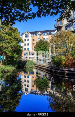 Bishops Stortford a lo largo de la ruta de remolque río stort histórico y pintoresco mercado de la ciudad de Hertfordshire, en el río stort ,el sur de Inglaterra, Reino Unido, Gran Bretaña, UE
