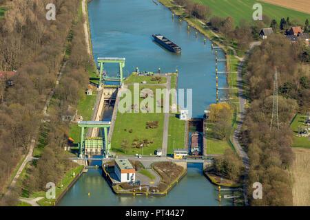 Grupo watergate Hünxe, bloqueo en el Wesel-Datteln-Kanal en Hünxe, cabeza, cola, agua, agua grande, pequeño watergate Watergate, entre la estación de bombeo, Hünxe, área de Ruhr, Renania del Norte-Westfalia, Alemania