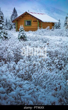 Monte Assiniboine Provincial Park es un parque provincial en British Columbia, Canadá, situado alrededor del monte Assiniboine.