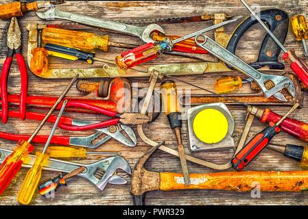 Colección de herramientas de carpintería.