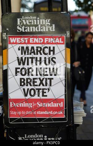 Londres, Reino Unido. - 19 de octubre de 2018: cartel de publicidad del periódico Evening Standard de Londres, que está pidiendo un nuevo Brexit votar el día antes un amplio voto popular de marzo en el centro de Londres. Crédito: Kevin J. Frost/Alamy Live News Foto de stock
