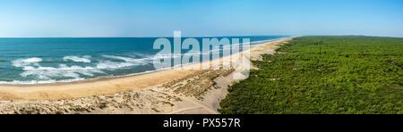 Playa y del océano Atlántico, cerca de el faro de La Coubre, La Tremblade, Charente Maritime, Nouvelle-Aquitaine, Francia