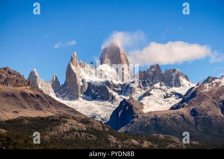 Monte Fitz Roy en el sur de Argentina, El Chalten en la patagonia. El Parque Nacional Los Glaciares